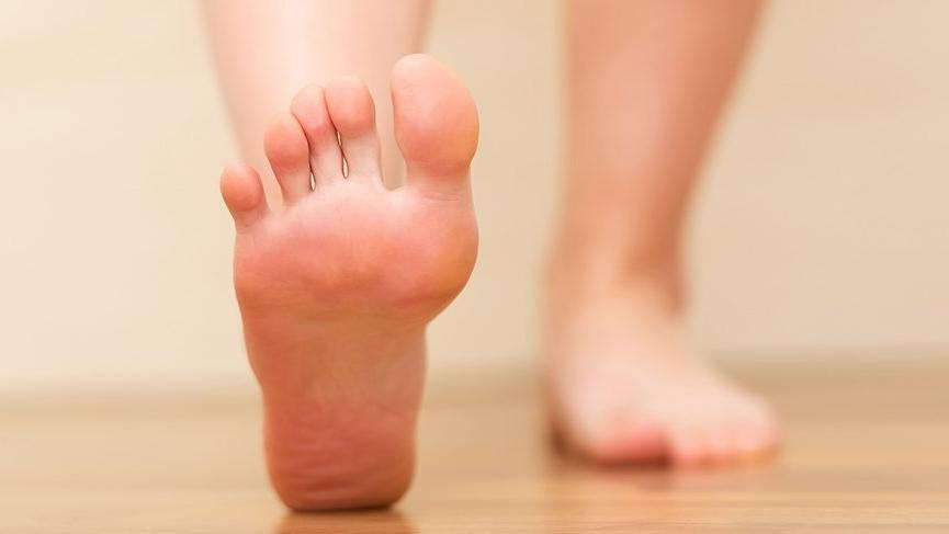 Ayak Topuğum Şişiyor Ne Yapmalıyım?