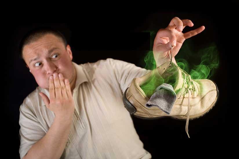 Ayak kokularını geçiren bitkisel çözümler