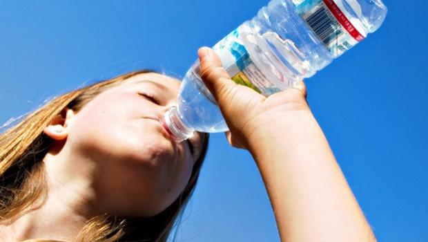 Plastik Su Şişesinden Su İçmek Zararlı Mıdır?