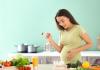 Hamilelikte En Çok Hangi Aylarda Kilo Alınır? Doğum Sonrasında Beslenme