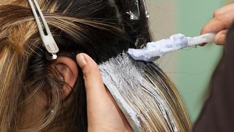 Saç Boyarken Dikkat Edilmesi Gerekenler