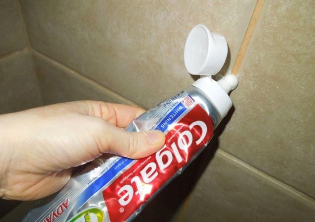 Diş macunu ile duşakabin temizliği !