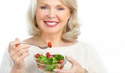 Menopoz Sonrası Kalp Hastalıklarını Önleyen Gıdalar Nelerdir?