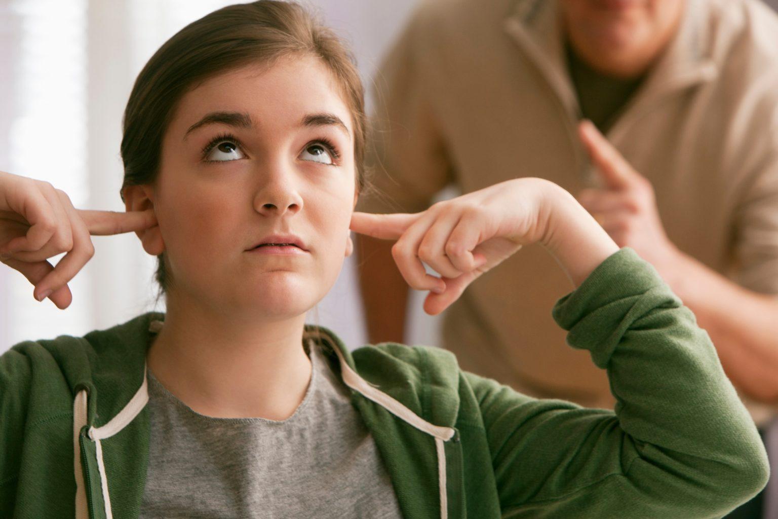 Çocukluk ve Ergenlikte Ses Kısıklığı Neden Olur