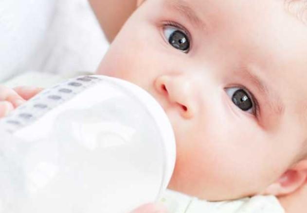 Bebeklerde İnek Sütüne Dikkat Edin